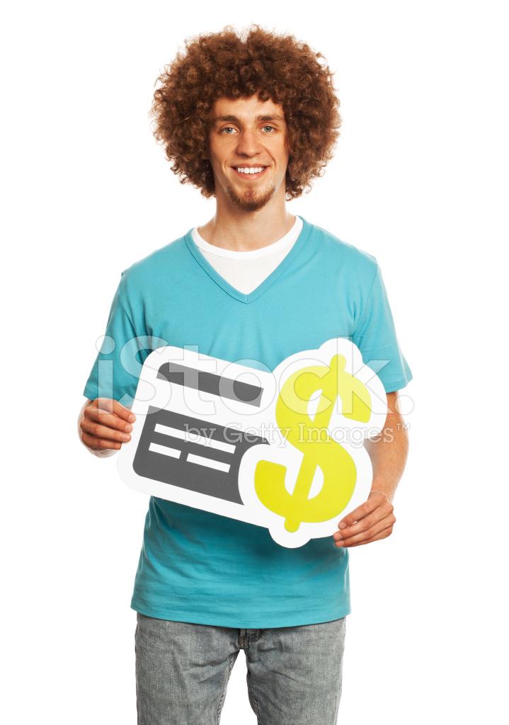 Giovane uomo con carta di credito pagamento cartello isolato su bianco. dc321ae8ce0e