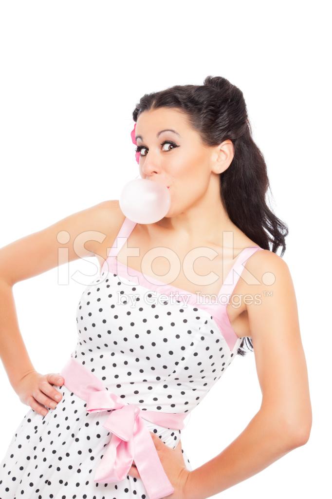 戴面具的女孩: 吹泡泡糖白色衬底上的女人