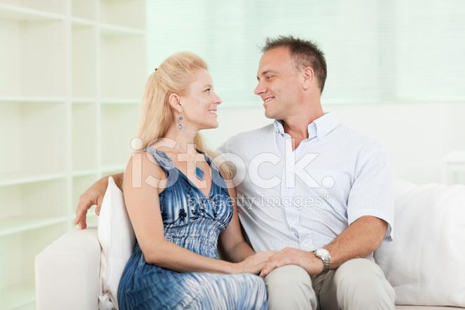 Mature women deep tougue kissing