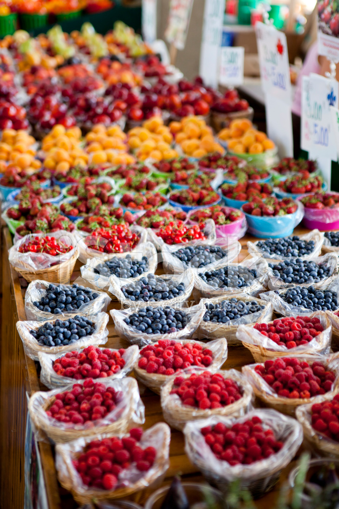Fresh Fruit AT A Montreal Farmers Market Quebec Canada Stock - The 10 freshest farmers markets in canada