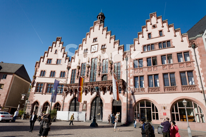 Frankfurt city hall facade against blue sky stock photos for Game design frankfurt