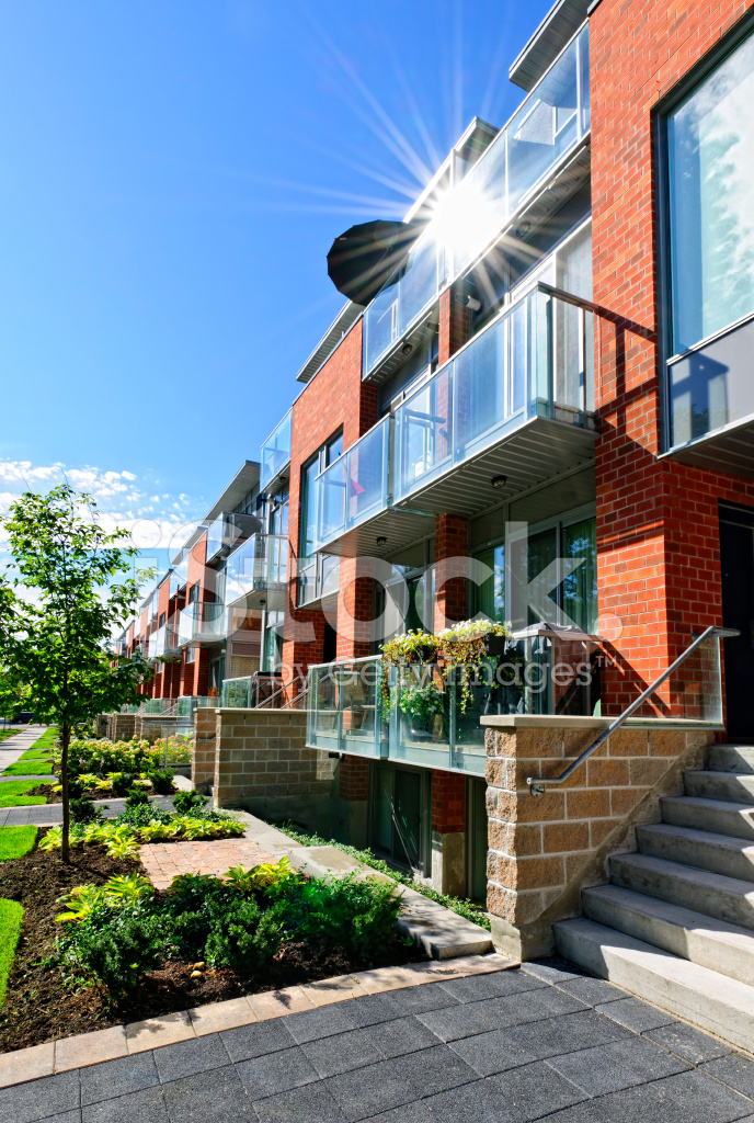 Beautiful moderne villette a schiera with villette moderne for Villette moderne foto