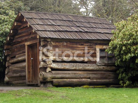 petite cabane en bois rond photos. Black Bedroom Furniture Sets. Home Design Ideas