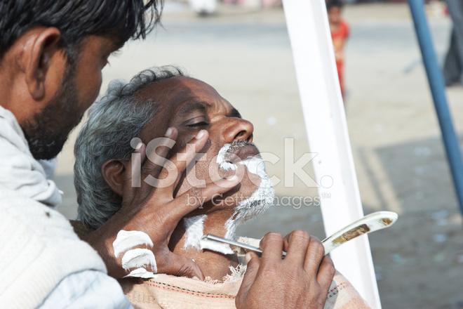 Coiffure Indienne Donnant A L Homme Un Wetshave Photos Freeimages Com