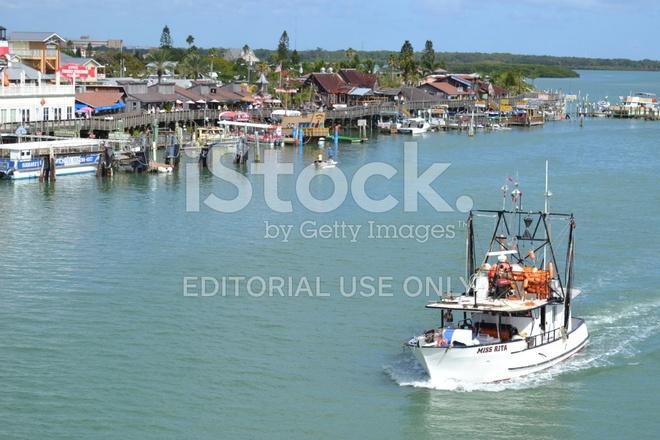 Miss rita fishing trawler in john 39 s pass madeira bea for John s pass fishing