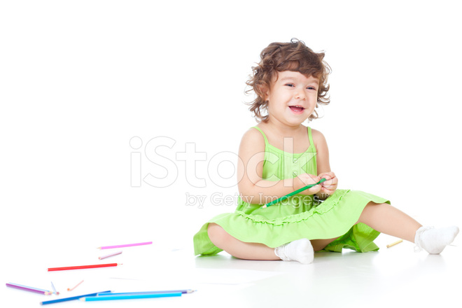 Petite Fille Dessin Aux Crayons De Couleur Photos