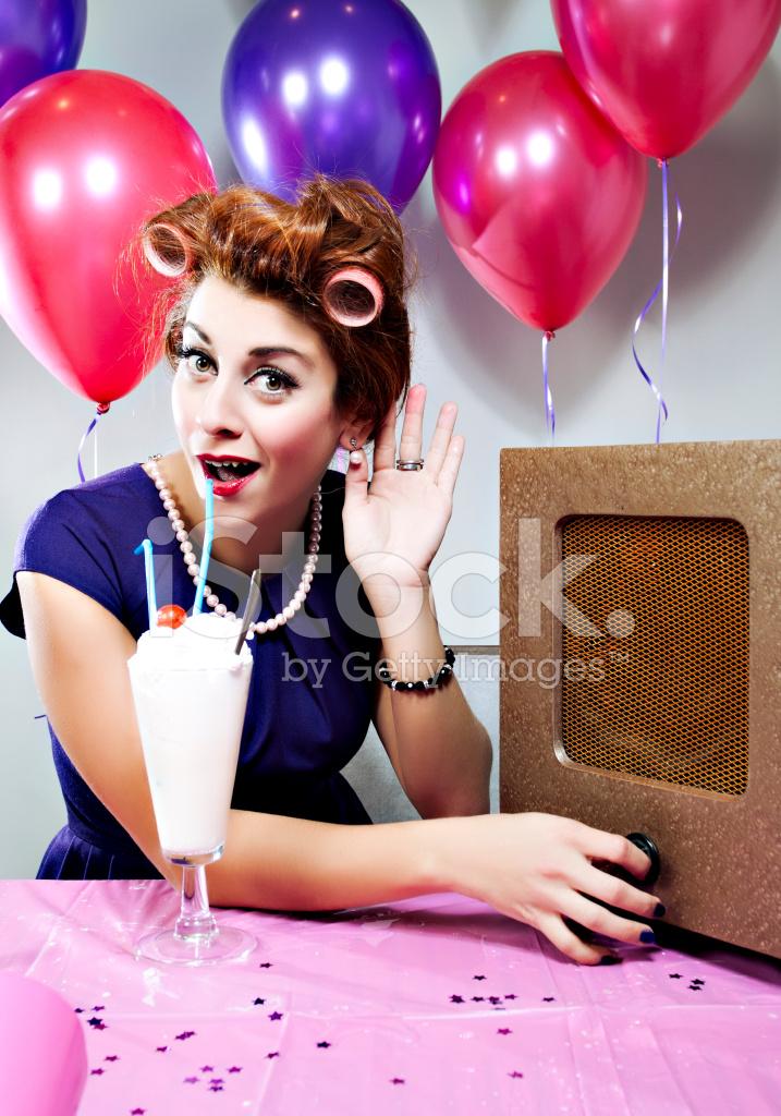 musik födelsedag Retro Födelsedag Lyssna På Musik Stockfoton   FreeImages.com musik födelsedag