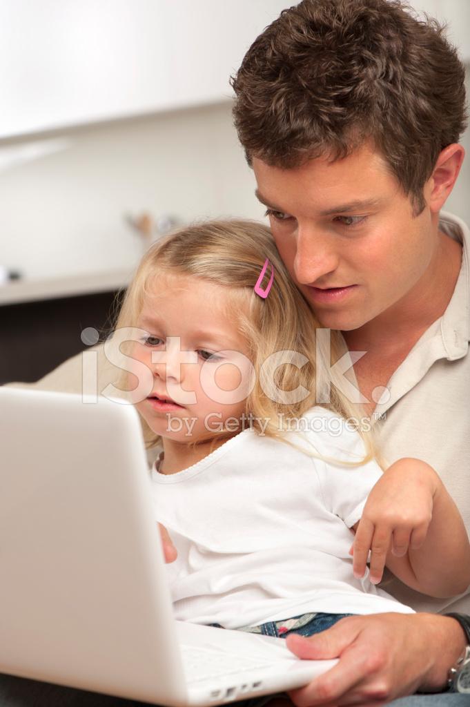 дочь изучает член фото
