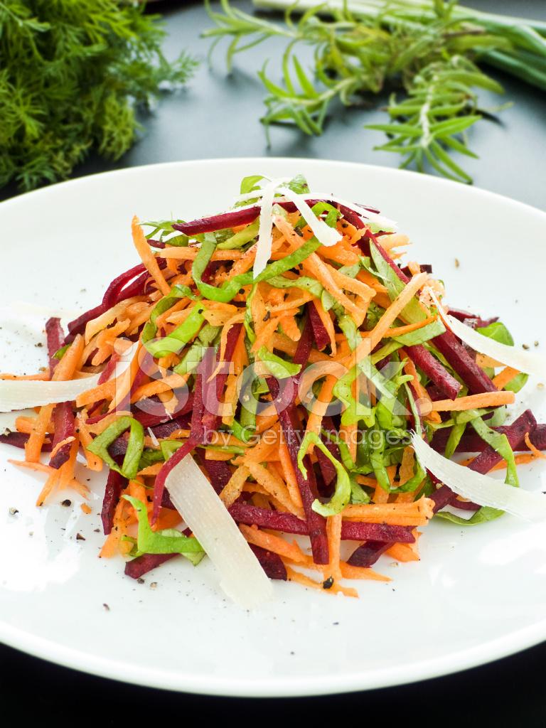 Салат из свеклы с морковью и яблоком