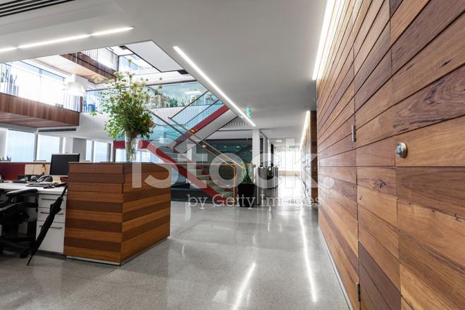 Aire d accueil dans un espace de bureau modernes et lumineuses