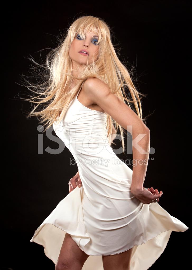 Анального как же хороша эта блондинка в телесном платье одной худой одной