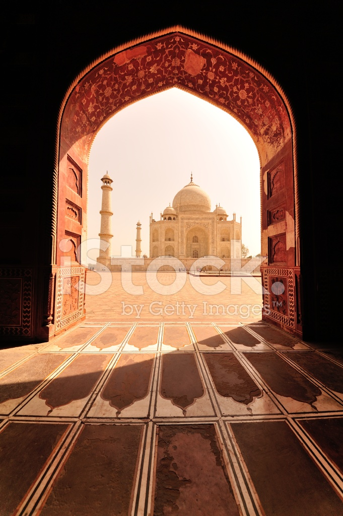 Taj mahal in frame stock photos for Taj mahal exterior design