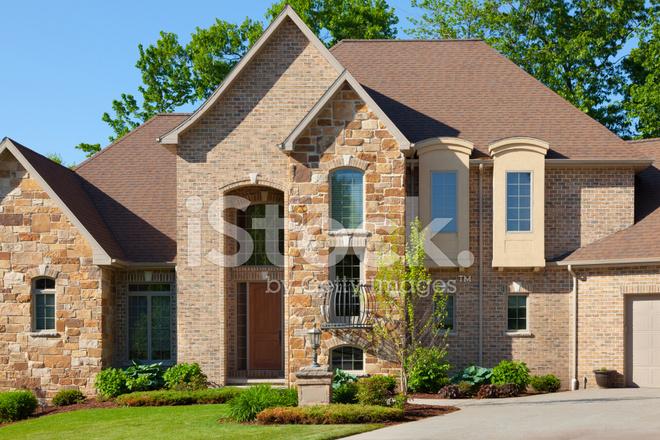 Majestueuse maison de ma tre maison avec fa ade de pierre for Brique facade maison