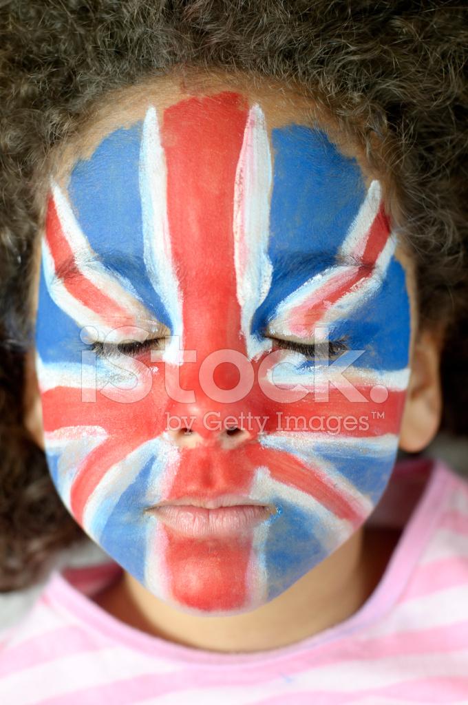 Kapalı Kız 5 6 Ile Boya Union Jack Yüz Ve Gözler Stok Fotoğrafları