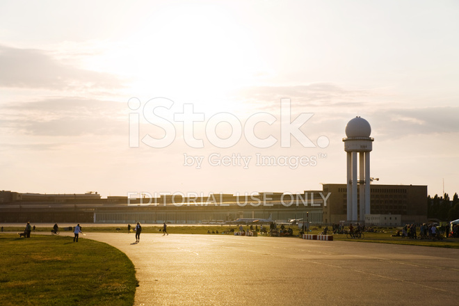 Aeroporto Berlino : Aeroporto berlino tempelhof fotografie stock freeimages