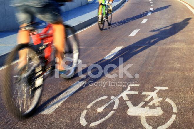 К чему снится ехать на велосипеде по дороге быстро.