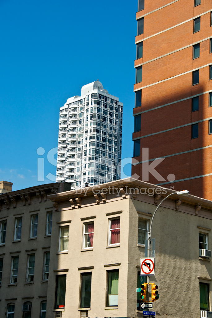 new york city architectural contrasts styles eras cityscape