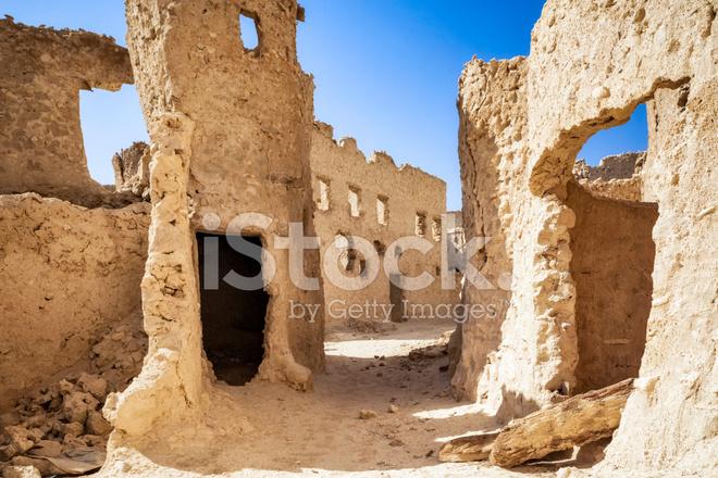 Case Di Mattoni Di Fango : Case di mattoni di fango nell oasi di siwa fotografie stock