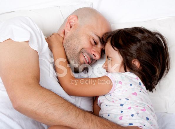 Отец трахает дочь