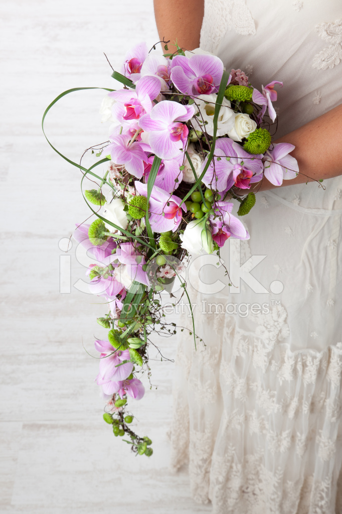 Bouquet Cascata Sposa.Cascading Bridal Bouquet Stock Photos Freeimages Com