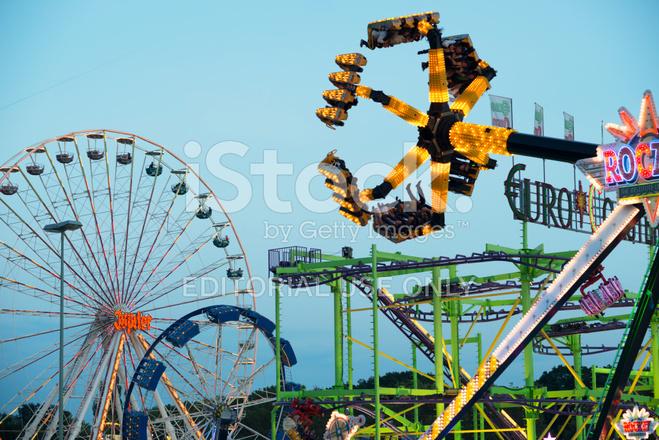 Amusement park dippemess frankfurt germany stock photos for Game design frankfurt