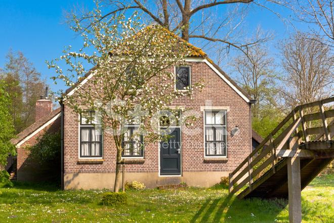 Maison hollandaise traditionnelle photos for Decoration maison hollandaise