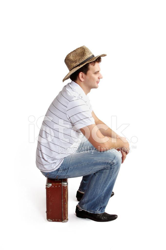 Hombre Sentado Sombrero Una Con Stock Fotografías En De Maleta w74wfqS