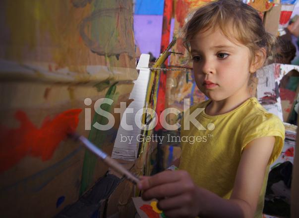 Genç Kız Boyama Stok Fotoğrafları Freeimagescom