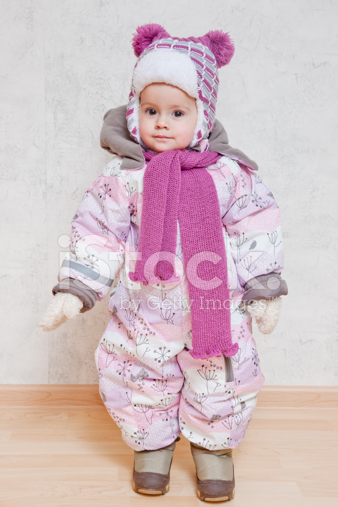sale retailer a0c7d 481be Baby Im Winterkleidung Stockfotos - FreeImages.com