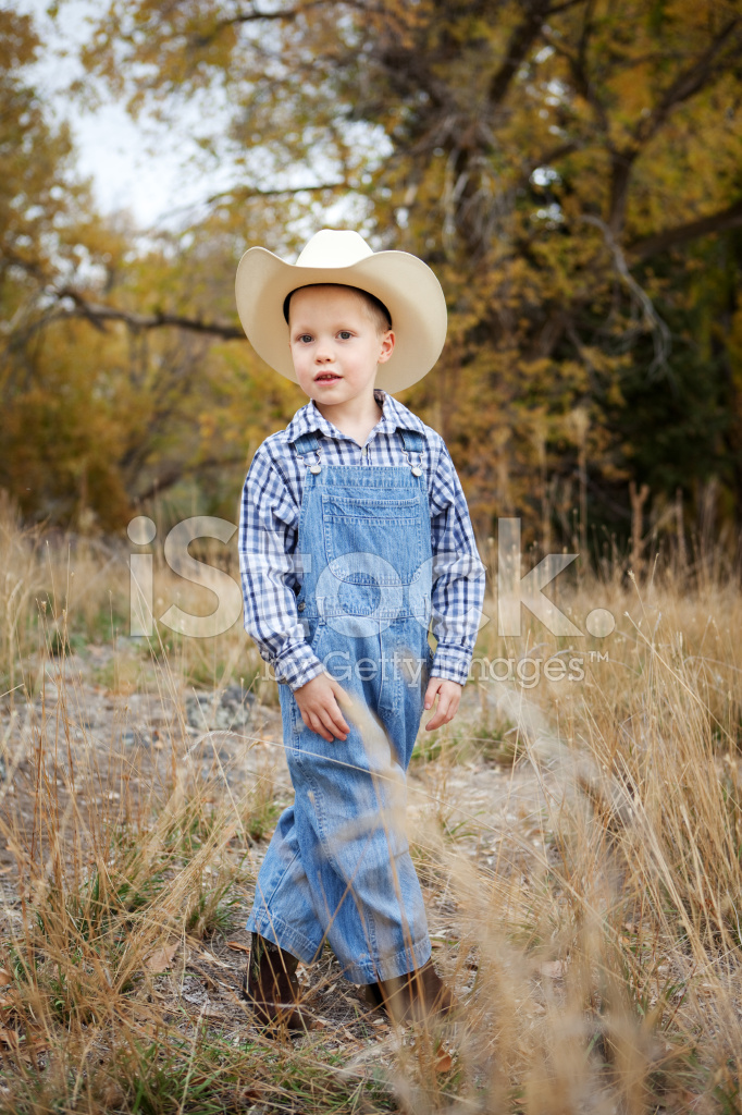 Find baby boy overalls that are durable & comfy at OshKosh. Get free shipping on all styles: little boys' overalls in denim, khaki & more at desire-date.tk