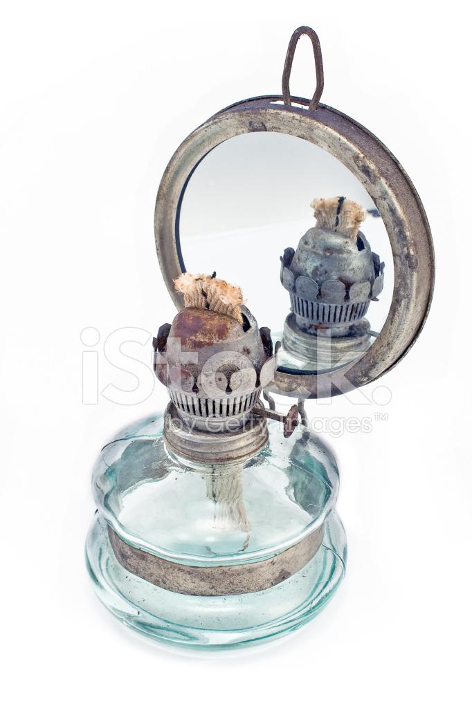 lampe p trole ancienne avec miroir photos. Black Bedroom Furniture Sets. Home Design Ideas