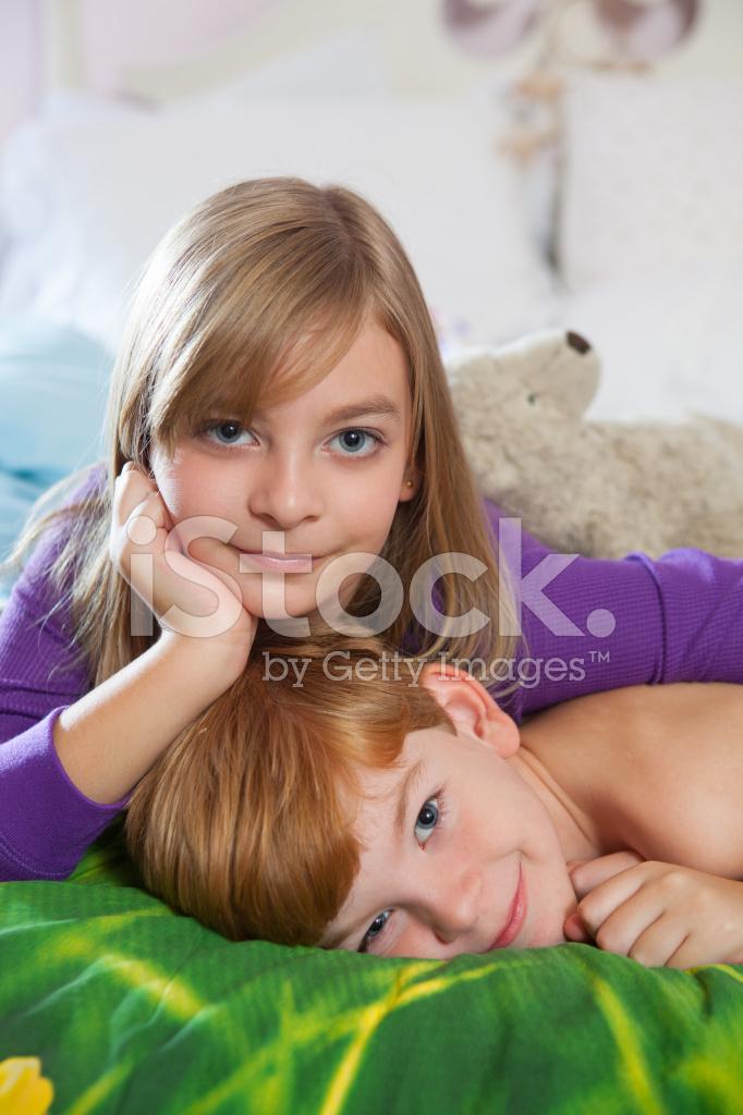 смотреть секс бра с сестра стонет без смс