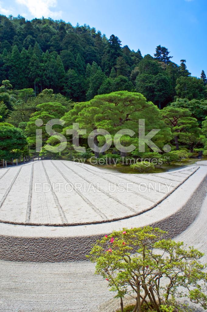 premium stock photo of zen garten im silbernen pavilion kyoto