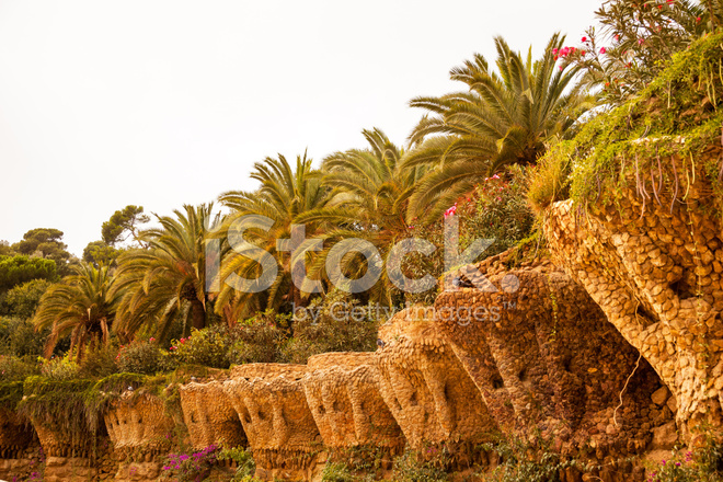 Terraza Paredes Antoni Gaudí Parque Güell Barcelona Cataluña