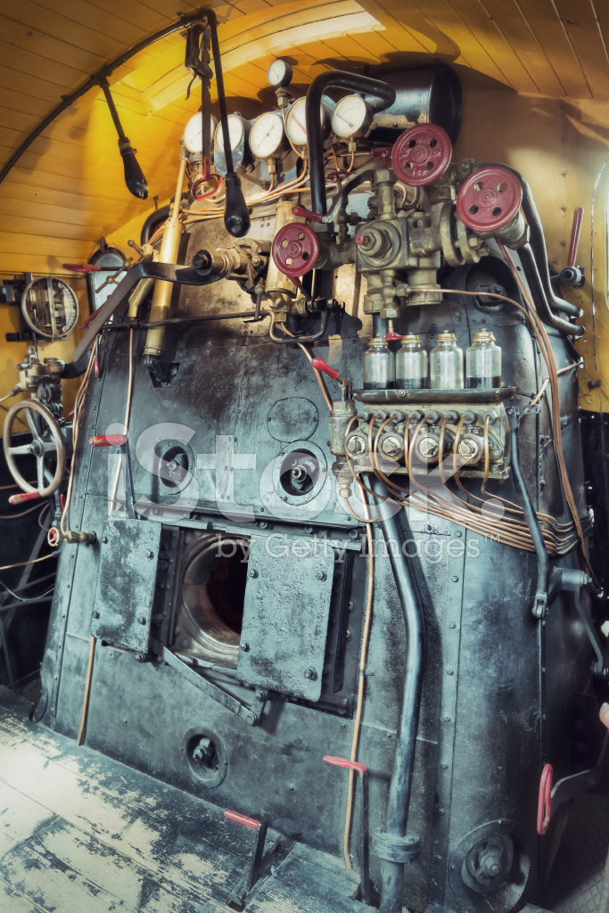 Space Engine Room: Vintage Engine Room Of A Steam Train Stock Photos