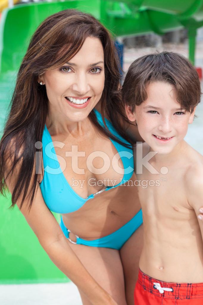 Фото мальчик женщина молочная железа у женщин фото