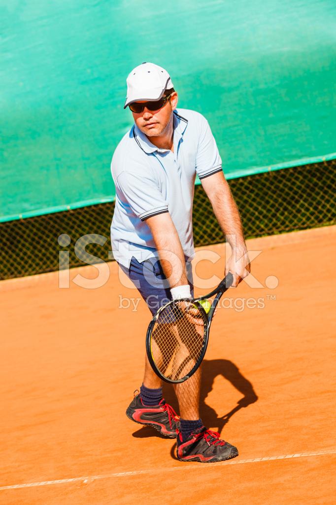 Играть в теннис с мужчинами во сне