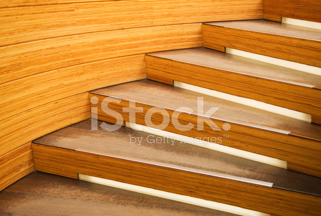 Moderne houten trap stockfotos freeimages.com