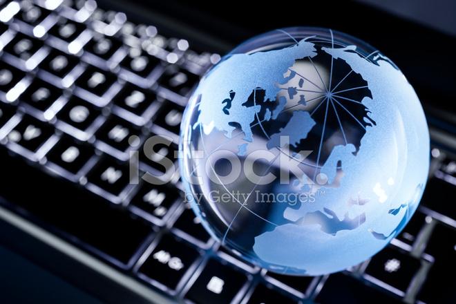 Glas Earth Globe Op Verlicht Toetsenbord Stockfoto\'s - FreeImages.com