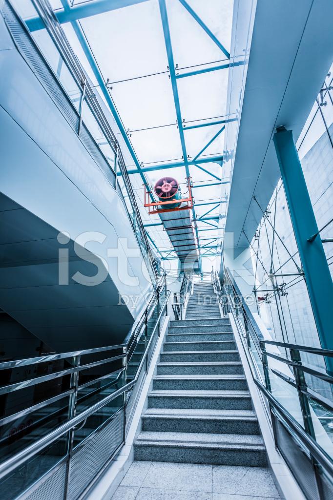https://images.freeimages.com/images/premium/previews/2473/24730663-corridor-interior-of-empty-office-building.jpg