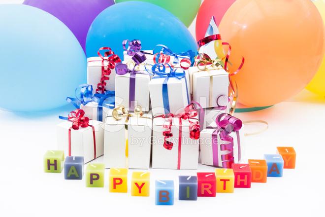 Geburtstagsgeschenke UND Ballons Stockfotos