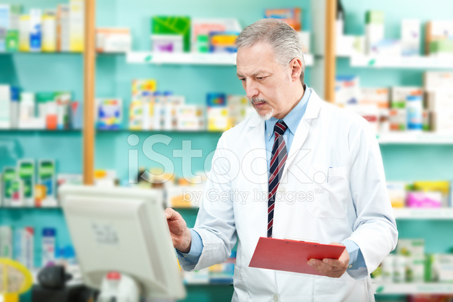use of computers in pharmacy Home biostatistics: computer in community pharmacy automation of the dispensing process in community pharmacy is nothing new computer systems for pharmacy management have been on the market for many years, and almost all community pharmacies now use computers to manage the processing of prescriptions.