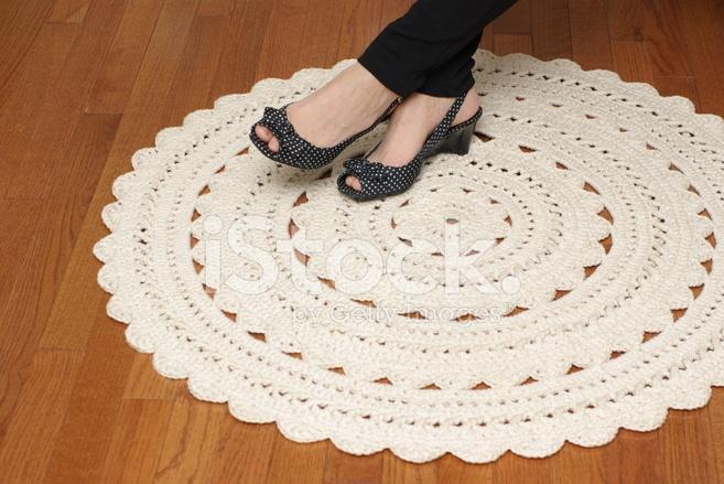tapis fait main au crochet photos. Black Bedroom Furniture Sets. Home Design Ideas