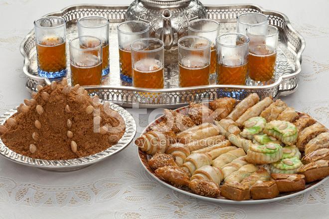 Simple Moroccan Eid Al-Fitr Food - 25540859-traditional-moroccan-tea-at-id-al-fitr-the-end-of-ramadan  Collection_984480 .jpg