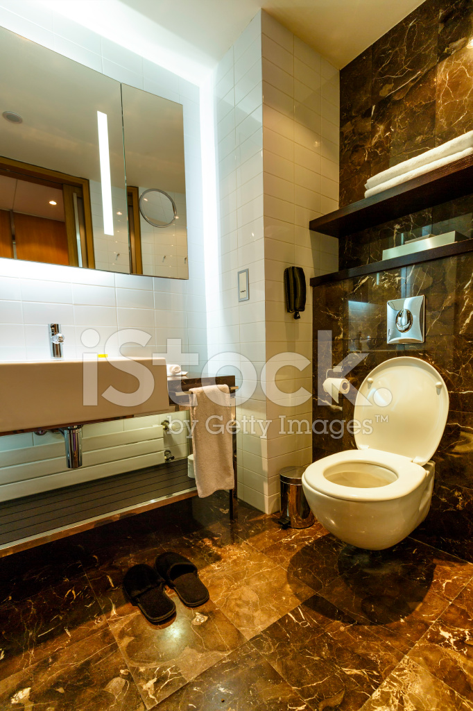 Salle DE Bains Moderne En Hôtel DE Luxe Photos - FreeImages.com