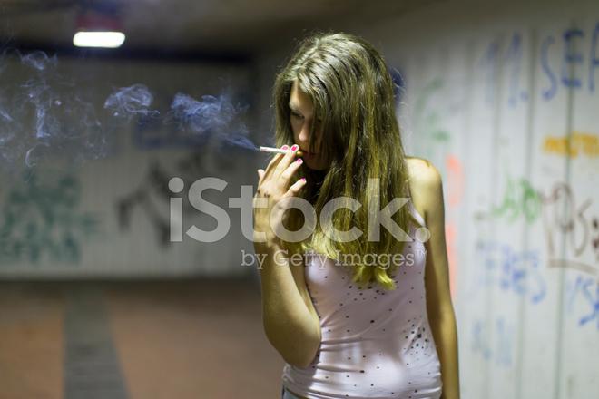 Zigaretten Teenager-Mädchen rauchen Teenage frau
