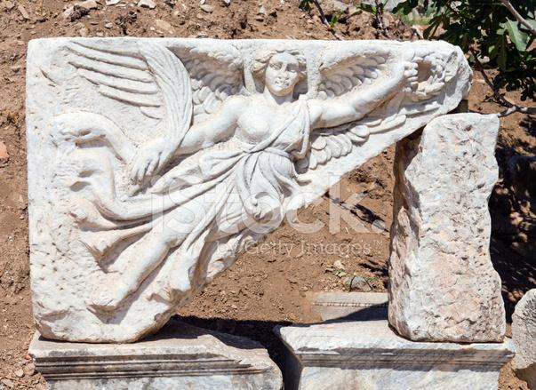pianista Hacia fuera aguacero  Escultura DE Nike Deusa Nas Ruínas Da Antiga Éfeso, Turquia Fotos do acervo  - FreeImages.com