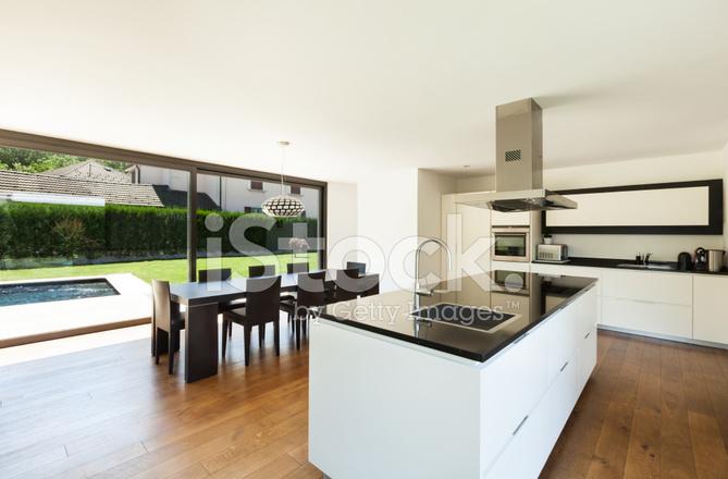 Moderne villa interieur keuken stockfoto s freeimages