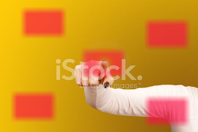 Frau Hand Berühren Eine Visitenkarte Auf Digital Touch