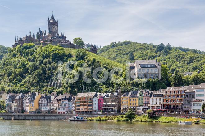 Cochem Met Kasteel Langs De Rivier De Moezel In Duitsland